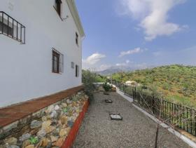 Image No.10-4 Bed Villa / Detached for sale