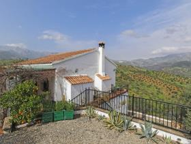 Image No.11-4 Bed Villa / Detached for sale