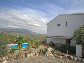 Image No.28-4 Bed Villa / Detached for sale