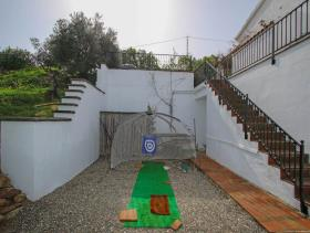 Image No.29-4 Bed Villa / Detached for sale