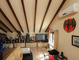 Image No.9-5 Bed Villa / Detached for sale