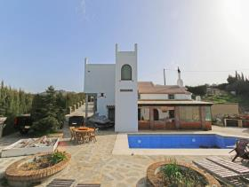 Image No.28-5 Bed Villa / Detached for sale