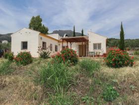 Image No.0-2 Bed Villa / Detached for sale