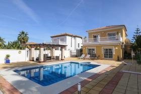 Image No.3-Maison / Villa de 4 chambres à vendre à Alhaurín de la Torre