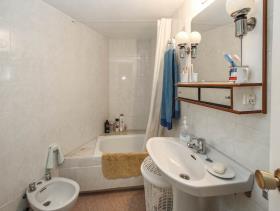 Image No.11-8 Bed Villa for sale