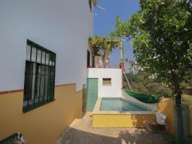 Image No.12-8 Bed Villa for sale
