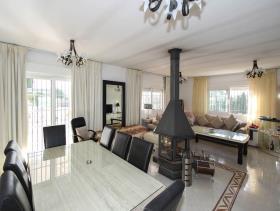 Image No.8-3 Bed Villa / Detached for sale