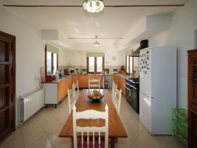 Image No.11-4 Bed Country Property for sale