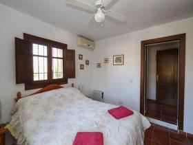 Image No.25-4 Bed Villa / Detached for sale