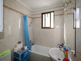 Image No.11-2 Bed Flat for sale