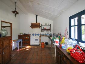 Image No.10-1 Bed Farmhouse for sale