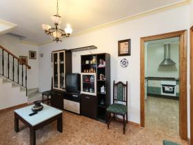 Image No.8-5 Bed Townhouse for sale