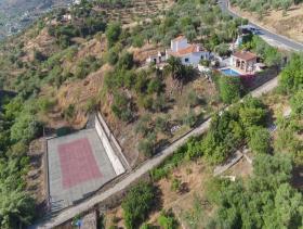 Monda, Villa