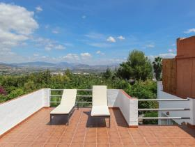 Image No.2-8 Bed Hotel for sale