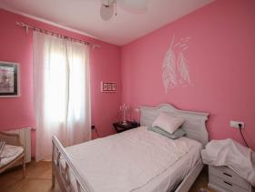 Image No.18-3 Bed Country House for sale