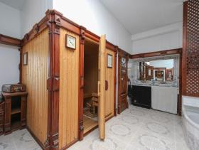Image No.15-7 Bed Commercial for sale