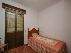 Image No.4-9 Bed Condo for sale