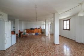 Image No.8-21 Bed Hotel for sale
