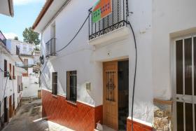 Image No.0-Maison de ville de 5 chambres à vendre à Guaro