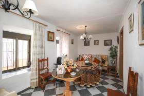 Image No.3-Maison de ville de 5 chambres à vendre à Guaro