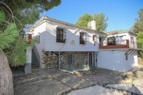 Image No.1-Maison de campagne de 5 chambres à vendre à Carratraca