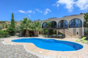 Image No.2-6 Bed Apartment for sale