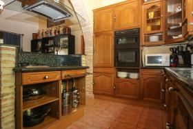 Image No.15-6 Bed Apartment for sale