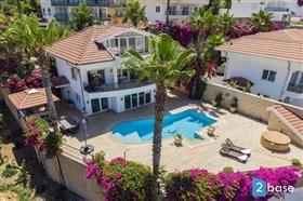 Image No.1-Villa de 3 chambres à vendre à Alanya