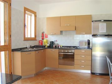 Kitchen 2: Marble work surfaces