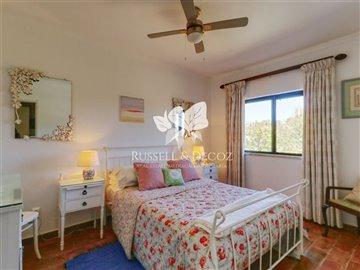 1830vhousebedroom1