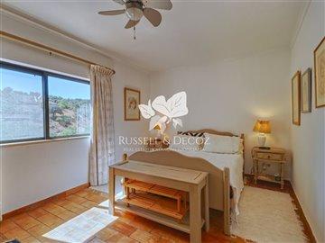 1830vhousebedroom1up
