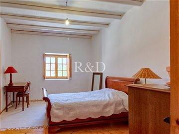 1852bedroom3
