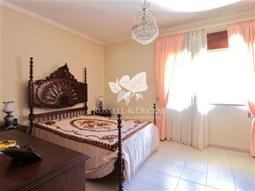 1882vbedroom2