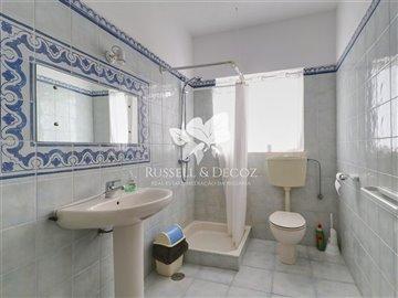 1884vbathroom1