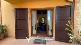 Image No.6-Maison de 2 chambres à vendre à Lajatico