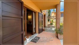 Image No.7-Maison de 2 chambres à vendre à Lajatico