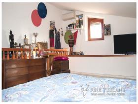 Image No.23-Maison de village de 4 chambres à vendre à Casciana Terme