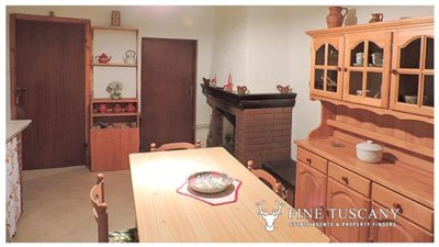 2-Apartment for sale in Lustignano Tuscany Italy 2