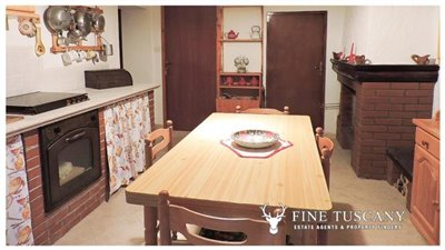 3-Apartment for sale in Lustignano Tuscany Italy 3
