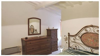 5-Apartment for sale in Lustignano Tuscany Italy 5