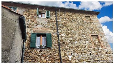 12-Apartment for sale in Lustignano Tuscany Italy 12