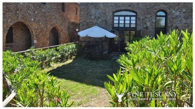 1-Bedroom-Property-for-sale-in-Tuscany-Italy-22