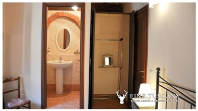 1-Bedroom-Property-for-sale-in-Tuscany-Italy-42