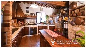 Image No.4-Propriété de 9 chambres à vendre à Toscane