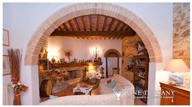 Image No.5-Propriété de 9 chambres à vendre à Toscane