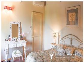 Image No.18-Appartement de 2 chambres à vendre à Lajatico