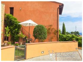 Image No.26-Appartement de 2 chambres à vendre à Lajatico