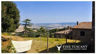 3-Bedroom-house-for-sale-in-Orciatico-Tuscany-Italy-3