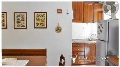 3-Bedroom-house-for-sale-in-Orciatico-Tuscany-Italy-7