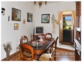 Image No.11-Maison de 3 chambres à vendre à Lajatico